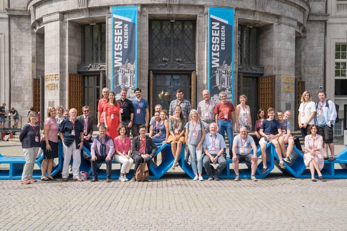 Gruppenbild vor dem Deutschen Museum